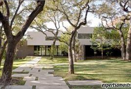 Драматичний будинок в Техасі