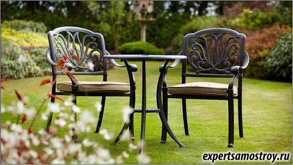 Як вибрати садові меблі?