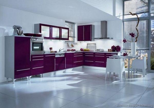 Фіолетова кухня в інтер`єрі